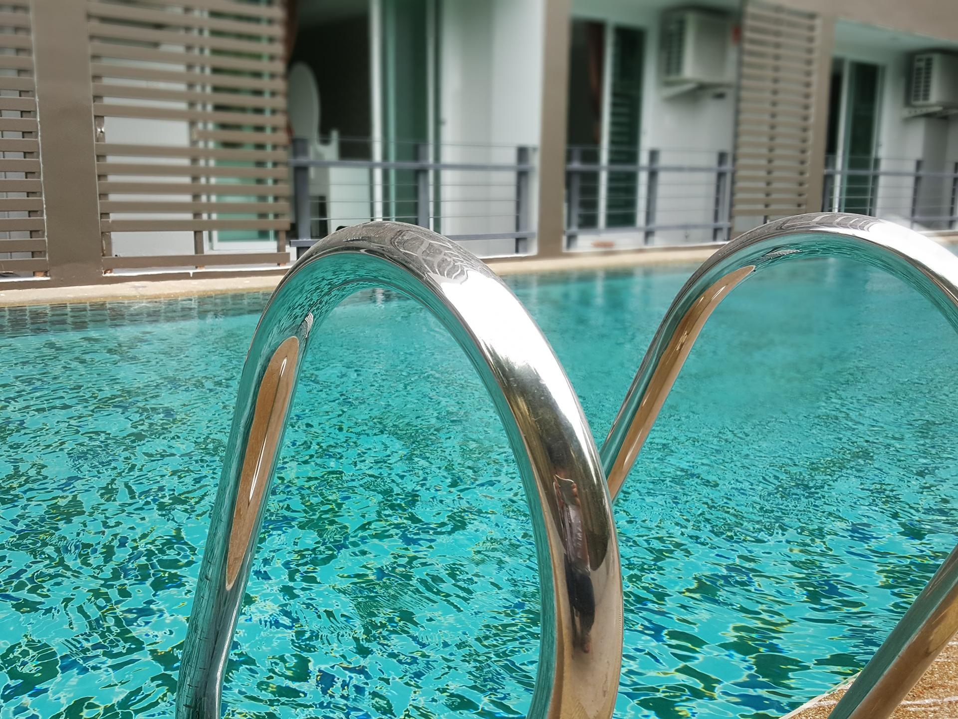 http://retreat-resort.com/images/retreat-resort/our-resort/OurLargeSizeSwimmingPool.jpg